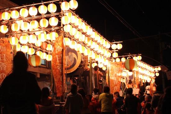 大型の山車LED点灯写真