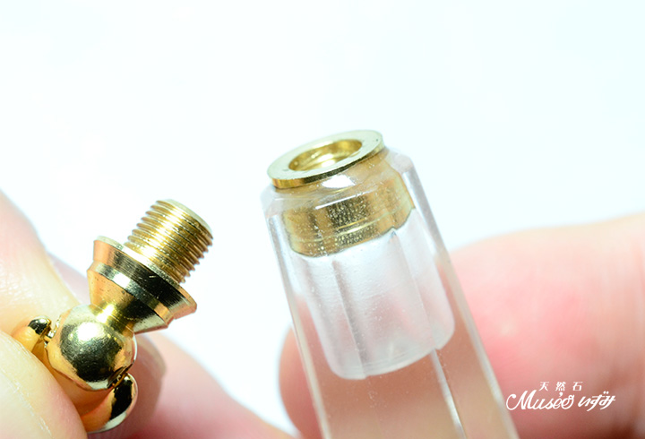 水晶ポイント 香水瓶・フレグランスボトル ペンダントやペンデュラムにも