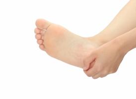 足裏の痛み(かかと・指の付け根)