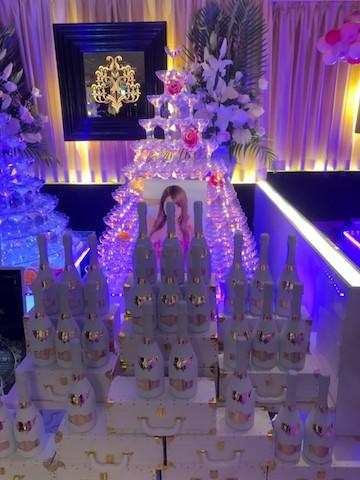 シャンパンの店内装飾