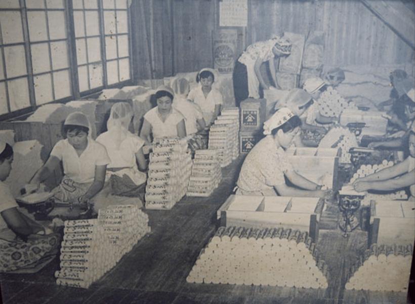 昭和30年頃の乾麺工場