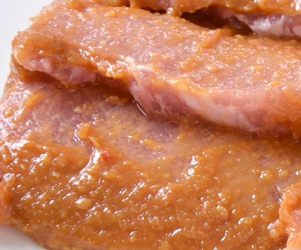 庄内豚味噌漬け(ロース肉使用)【贈答品】 アップ