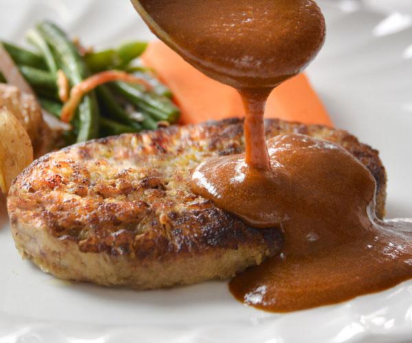 山形牛入りソースたっぷりハンバーグ&山形のやっこい豚角煮【贈答品】 アップ