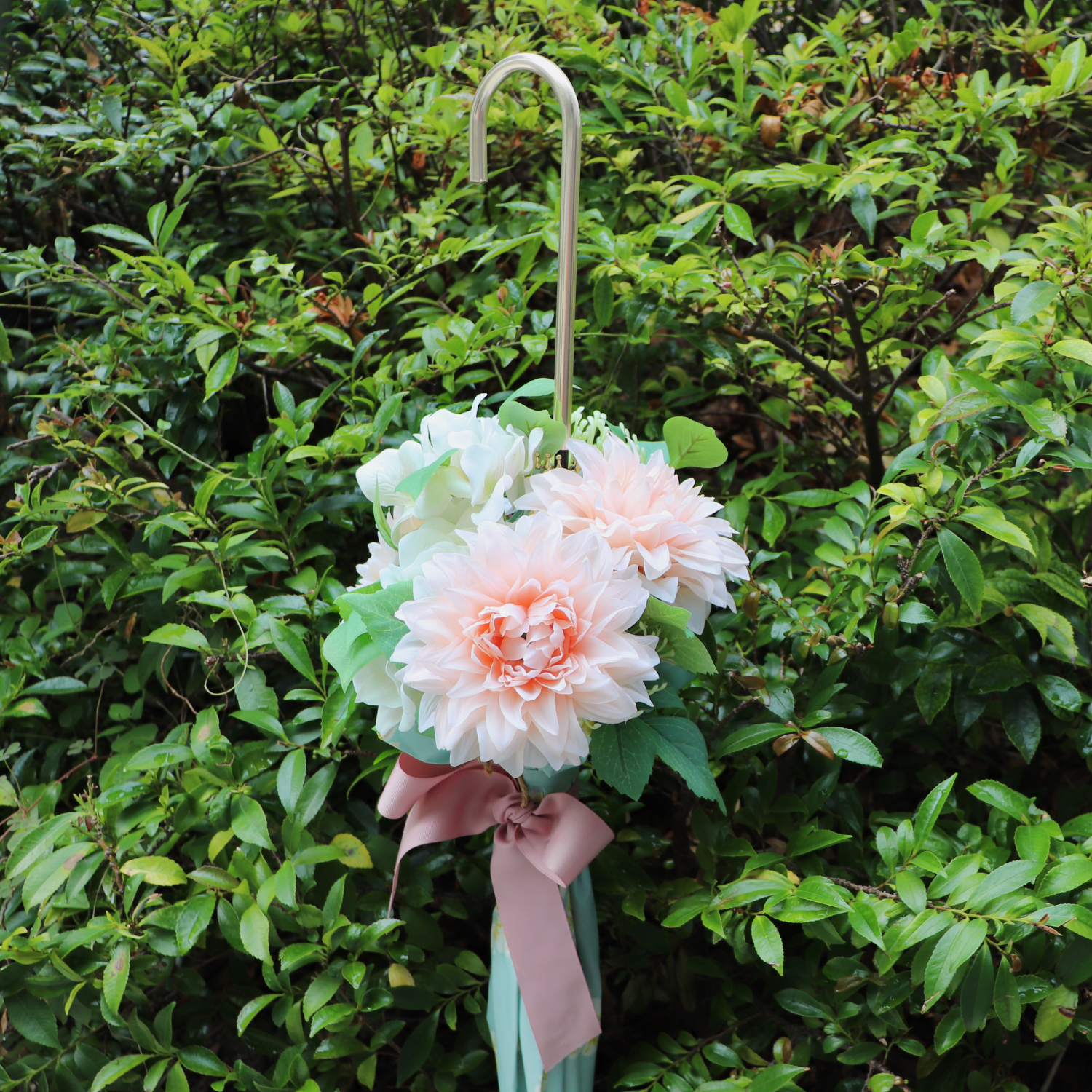 <img class='new_mark_img1' src='https://img.shop-pro.jp/img/new/icons14.gif' style='border:none;display:inline;margin:0px;padding:0px;width:auto;' />【生花】 Umbrella Bouquet|Scarf-Pink