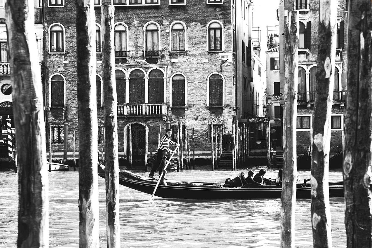 ベネチア水路の光景