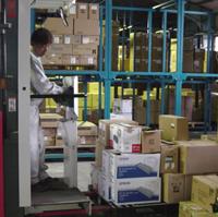 みのるの工場には、日本全国から使用済みカートリッジが続々と集まってきます。