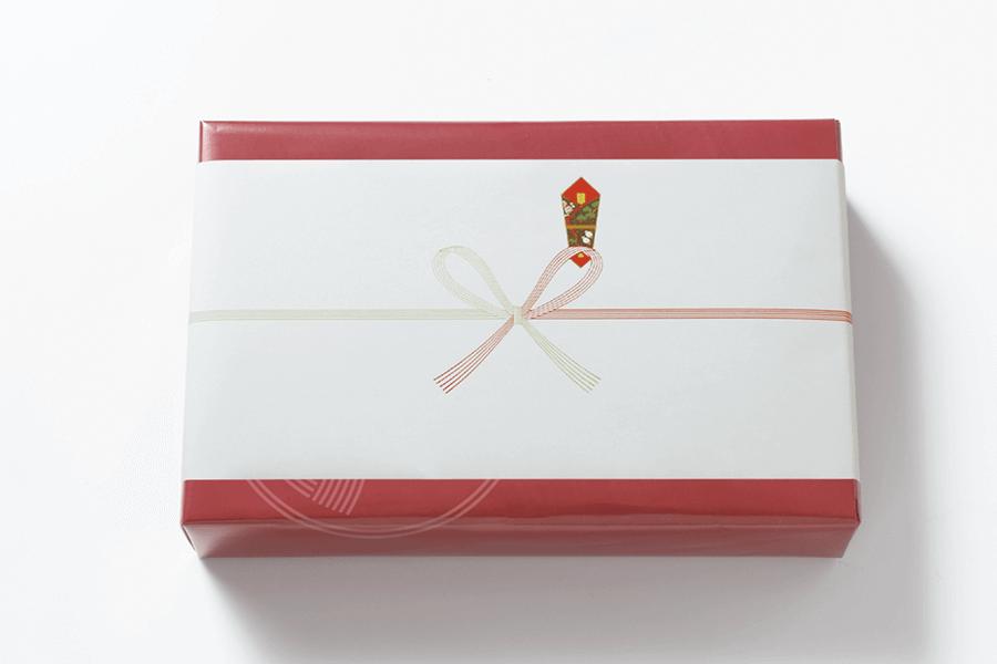 お祝い事や季節の贈り物等、各種掛け紙(熨斗)をご用意しております。