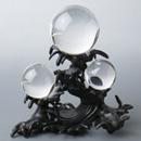 水晶と銅器置物