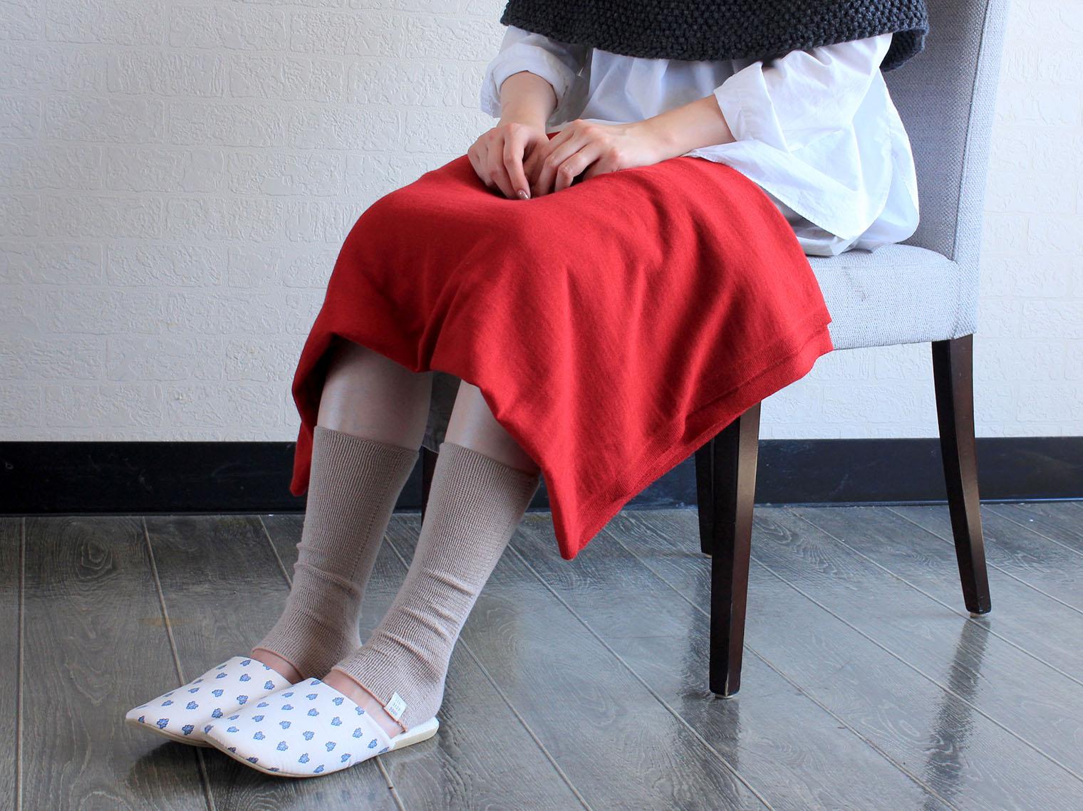 レッグウォーマー あしをつつむ のびるニットレッグウォーマー 薄手 冷え性 綿レーヨンシルク