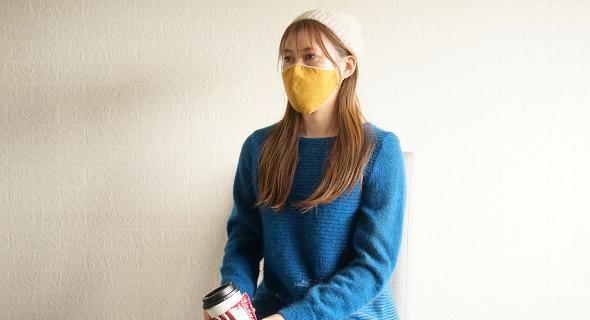 かおをつつむ のびるニットマスク コーディネート やわらか綿麻