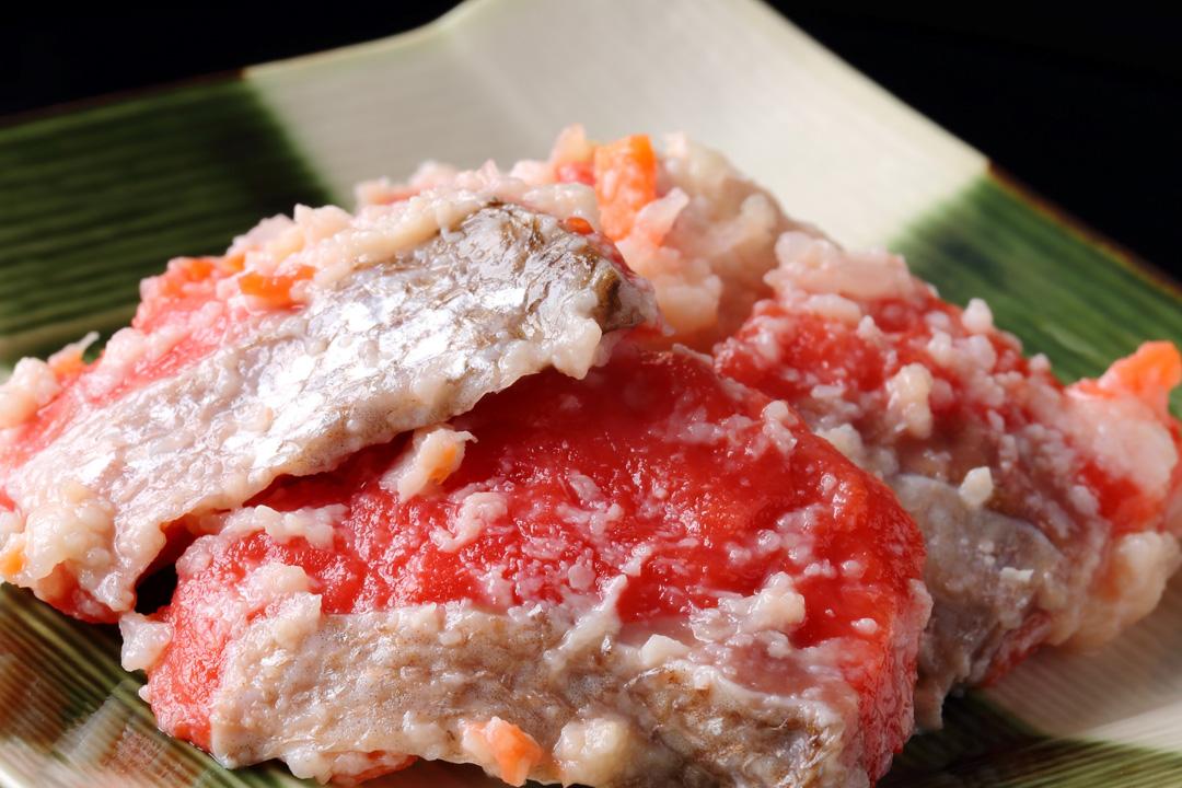 紅鮭飯寿し 700g化粧樽
